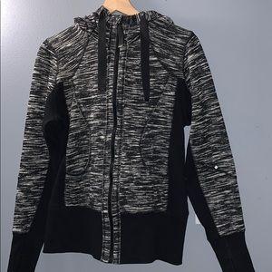 Zip up hooded sweater- MEDIUM